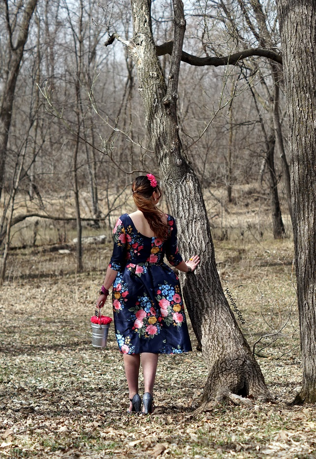 Winnipeg Style, Canadian Fashion blog, stylist, Chicwish floral print bouquet midi length 50's dress, vintage style, Chie Mihara navy Fan patent leather suede peep toe sandals, Kate Spade New York rose pail bag, paint the town rose, Spring fashion trends 2018