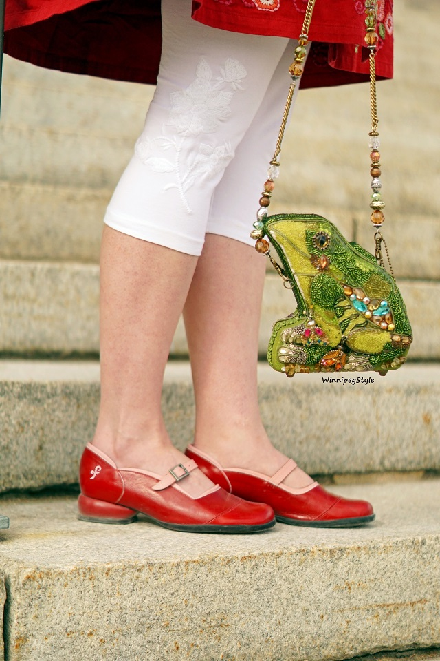 Winnipeg Style Canadian fashion stylist blog, vintage style, April Cornell white tapestry embroidered cropped leggings, Mary Frances green leap frog handbag purse bag beaded 3D, John Fluevog red pink LE Sandra Fellowship flat mary janes shoe