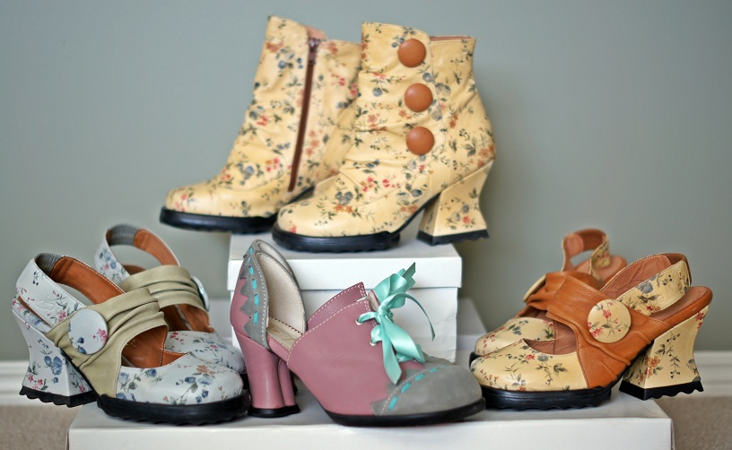 Winnipeg Fashion Blog, Canadian Fashion Blog, Fluevog One of a kind sample, Stop It, Halt, Wilma, Hi Choice, flower print